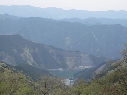 棒ノ嶺から見る名栗湖.JPG